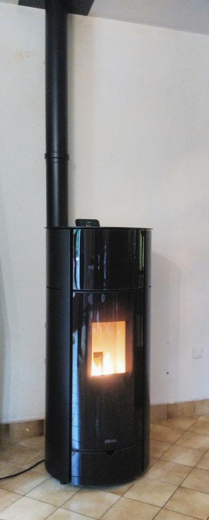 Poêle à granulé FonteFlamme Axe 9 noir