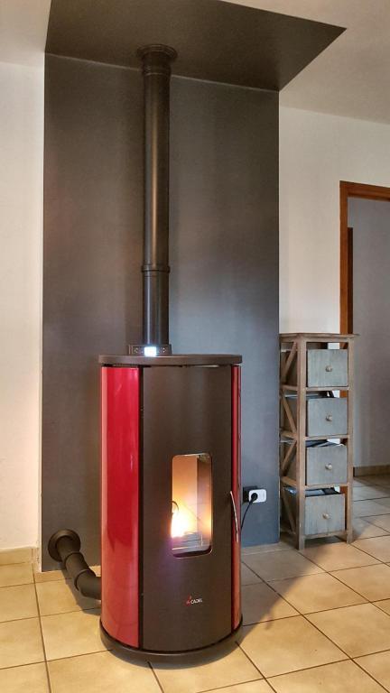 Poêle granulé étanche Cadel Sfera 3+ 10,5 kW sur concentrique vertical
