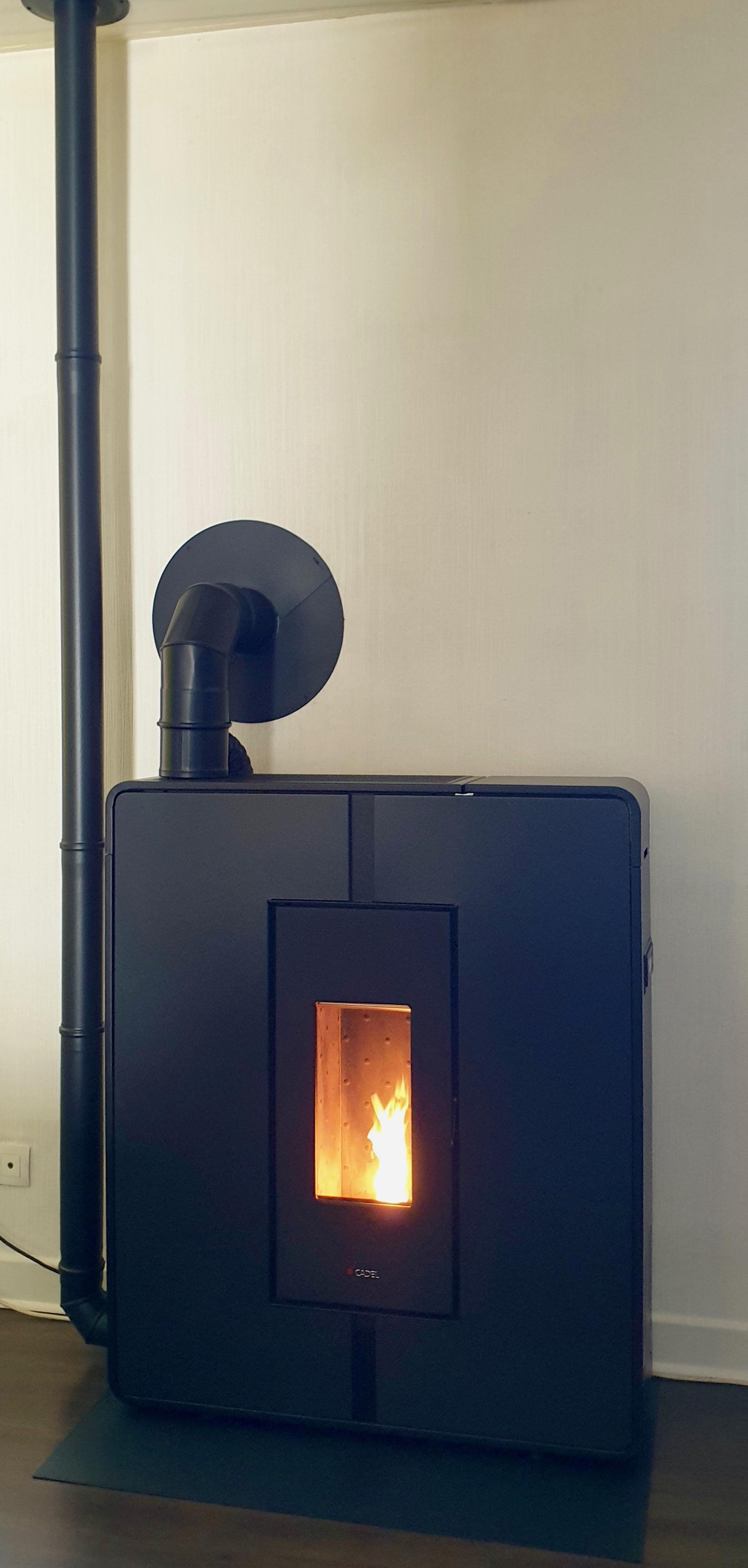 Cadel Tile 10kW, canalisation d'air chaud, conduit MODINOX PLA + PTR30 extérieur