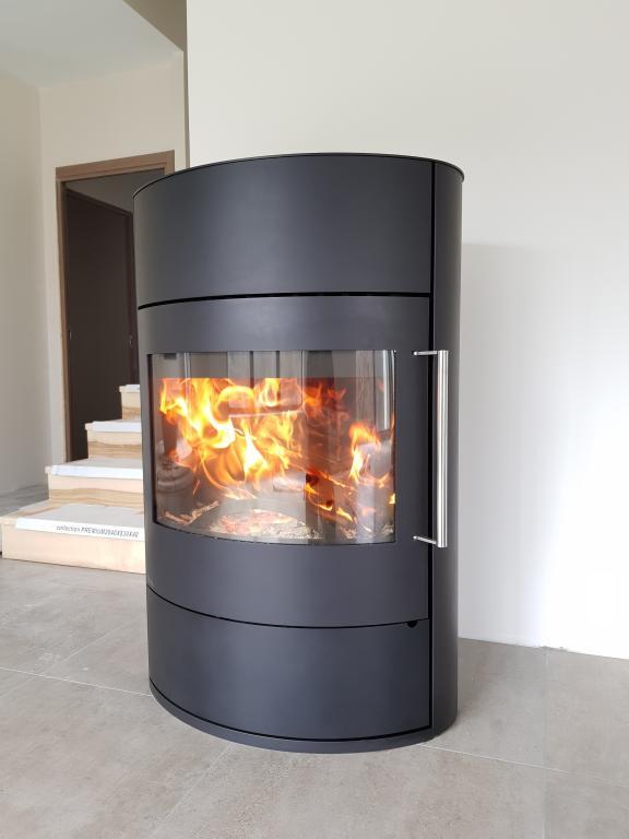 Fonte Flamme Fifti 7kW nominale, bûche de 50 cm (accumulateur en option)